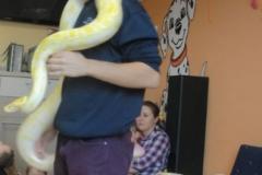 Dzień dobroci dla zwierząt. Spotkanie edukacyjne z wężami.